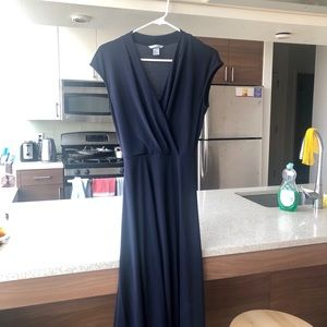 Classy navy blue dress for weddings and events!